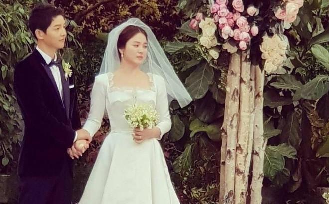 HOT: Song Hye Kyo - Song Joong Ki chính thức ly hôn, tòa tuyên bố mọi thủ tục đã hoàn tất-1