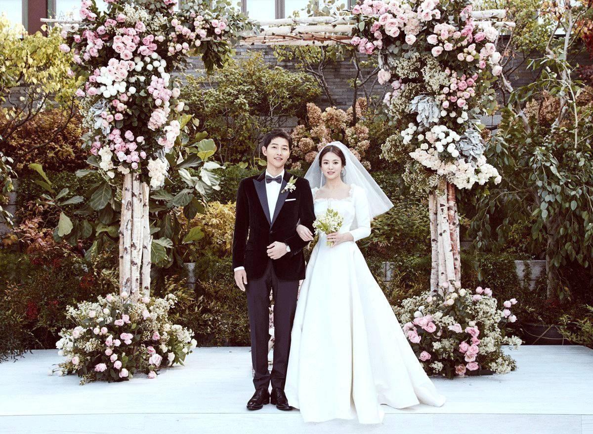 Chính thức ly dị, Song Hye Kyo đã có động thái đầu tiên: Khai tử ảnh cưới, toàn bộ dấu vết về chồng trên Instagram-7