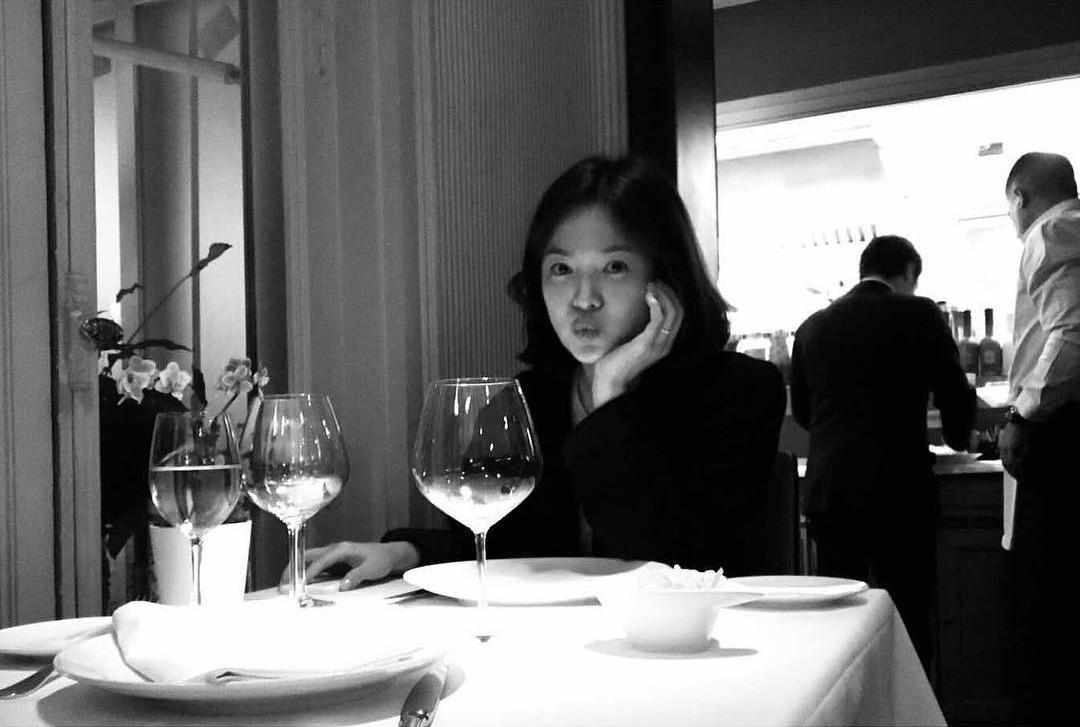 Chính thức ly dị, Song Hye Kyo đã có động thái đầu tiên: Khai tử ảnh cưới, toàn bộ dấu vết về chồng trên Instagram-10