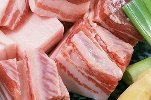 Đừng chần hay rửa thịt lợn trực tiếp, làm cách này, thịt sạch bong không còn lo bụi bẩn-3