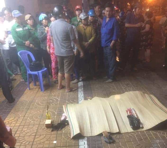 Tông chết nữ lao công đang quét rác, tài xế ô tô 7 chỗ phóng xe bỏ chạy-1
