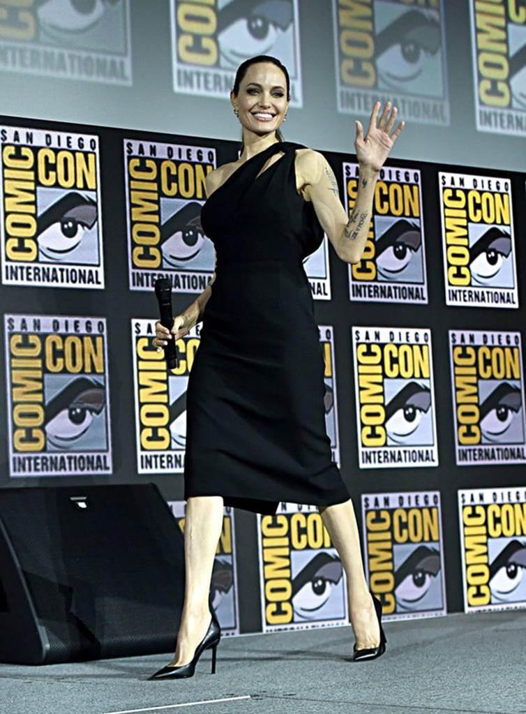 Angelina Jolie gầy guộc đáng báo động khi hội ngộ dàn sao-1