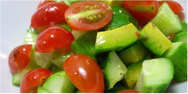 Sai lầm khi ăn cà chua khiến gia đình bạn ngộ độc: Miệng nôn trôn tháo, hối hận không kịp-2