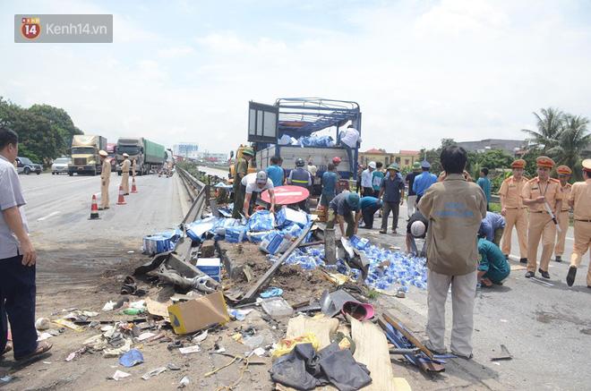 Giây phút xe tải lật đè nhóm người chờ sang đường: Các nạn nhân chỉ kịp hét lên vài tiếng là bị đè chết, hãi hùng lắm-4
