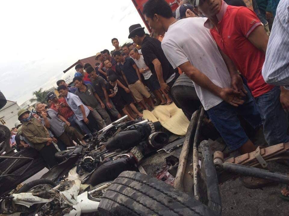 Hiện trường vụ tai nạn 5 người bị xe tải đè chết ở Hải Dương-10
