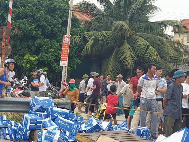 Hiện trường vụ tai nạn 5 người bị xe tải đè chết ở Hải Dương-20