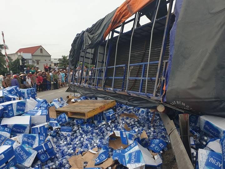 Hiện trường vụ tai nạn 5 người bị xe tải đè chết ở Hải Dương-17