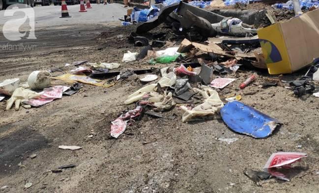 Nhân chứng kể lại vụ tai nạn thảm khốc ở Hải Dương: Tôi thấy bánh xe tải đè lên mặt 3 người, chết nhiều lắm-10