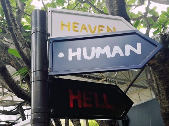 Bên trong quán cà phê chết chóc ở Thái Lan: Khách tha hồ nằm trong quan tài cảm nhận cái chết, đi dạo quanh địa ngục, chụp ảnh với hài cốt-6