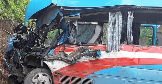Vụ xe khách đâm xe đầu kéo ở Tuyên Quang: Nạn nhân là giáo viên Hải Phòng đi từ thiện-2