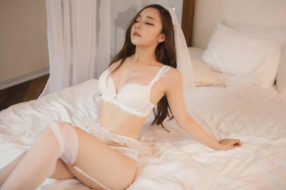 Hot girl World Cup: Người bị chê sexy quá đà, người lao đao vì lộ clip nóng-7