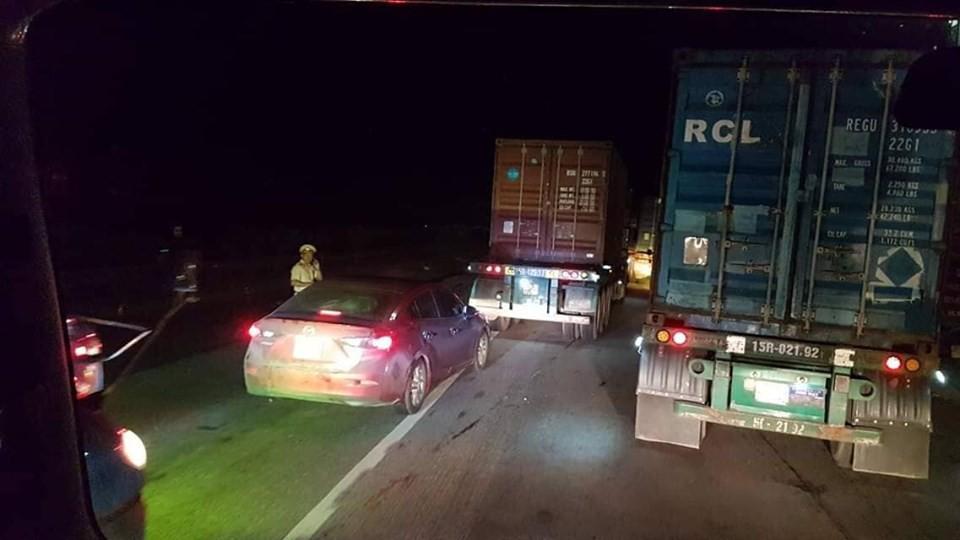 Lại tiếp tục xảy ra tai nạn trên Quốc lộ 5, cách hiện trường vụ 6 người bị xe tải tông chết chỉ 500m-1