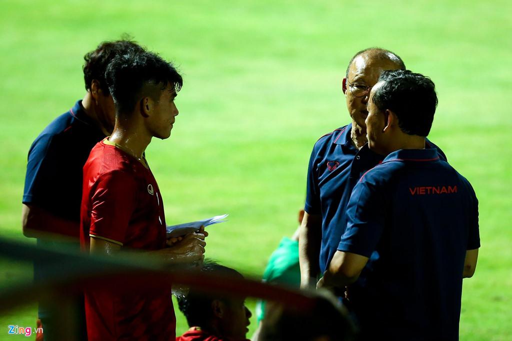 HLV Park phản ứng mạnh khi U23 Việt Nam không ghi bàn suốt 2 hiệp-6