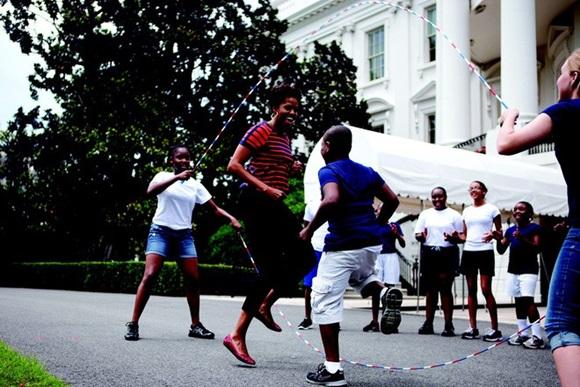 """Chuyện tình cựu Tổng thống Obama: Từ gã – được – thổi – phồng"""" đến ông chủ Nhà Trắng và công cuộc tán tỉnh công phu của những người có EQ cao-9"""
