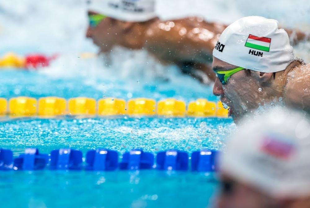 Kình ngư 19 tuổi phá kỷ lục bơi 200m bướm của Michael Phelps-4