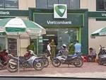 30 giây gây án của tên cướp tại Vietcombank-1