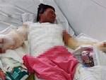 Nam thanh niên chăm bố trong bệnh viện và hành động của anh khiến nhiều người trầm trồ-2