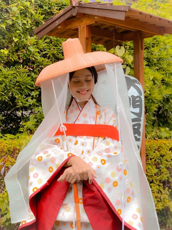 Khả Ngân khoe mặt mộc nhẹ nhàng vẫn được khen xinh như gái Nhật-3