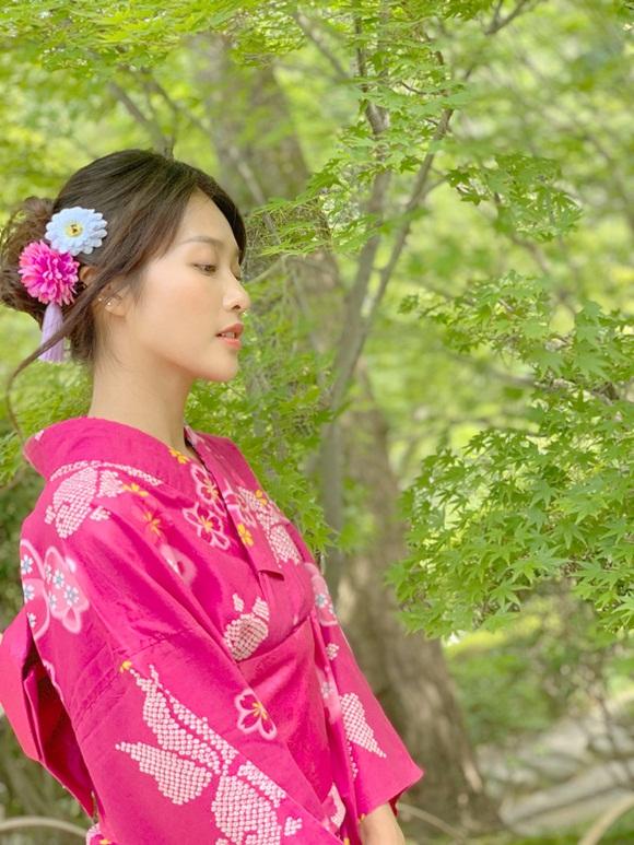 Khả Ngân khoe mặt mộc nhẹ nhàng vẫn được khen xinh như gái Nhật-9