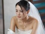 Dân mạng ám ảnh với thánh nữ chụp ké ở đám cưới: Thoắt ẩn thoắt hiện, luôn tìm cách ghé mặt vào mọi khung hình-13