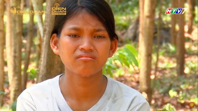 Trấn Thành khóc nức nở, tặng 10 triệu cho 3 chị em ruột mồ côi, chỉ được ăn cơm với muối-2
