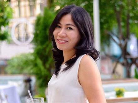 Nhà báo Thu Hà: