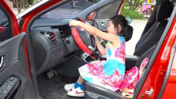 Bé gái 6 tuổi tậu nhà 186 tỷ bằng tiền tự kiếm khiến cả thế giới trầm trồ-3