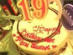 Tin tưởng đặt bạn làm bánh sinh nhật thanh lịch tặng chồng, vợ trẻ nào ngờ phải nhận về thành quả biến dạng, biến màu-4