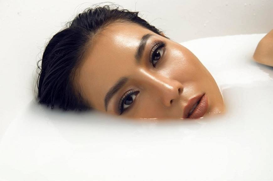 Diễn viên Thanh Hương phô trọn làn da nâu, ngực đầy trong bồn tắm-2