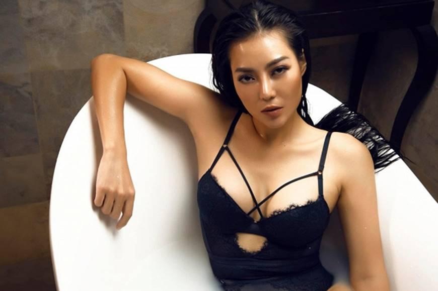 Diễn viên Thanh Hương phô trọn làn da nâu, ngực đầy trong bồn tắm-4