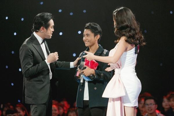 Hoa hậu Hương Giang khẩu chiến với đàn chị trên ghế nóng The Voice Kids, chưa bao giờ nàng Hậu dữ dằn đến thế-6