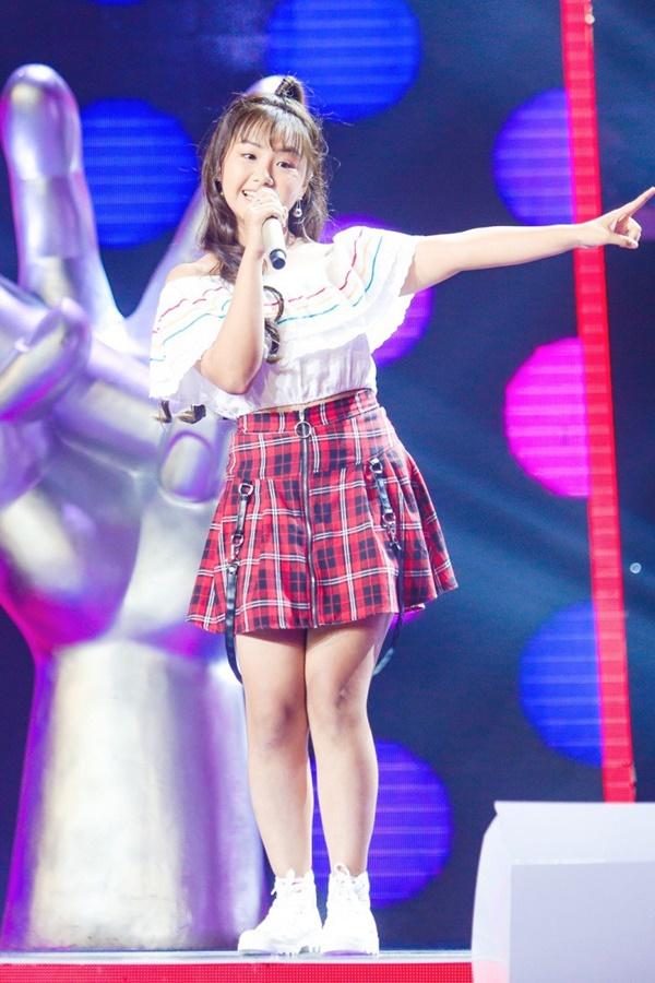 Hoa hậu Hương Giang khẩu chiến với đàn chị trên ghế nóng The Voice Kids, chưa bao giờ nàng Hậu dữ dằn đến thế-7
