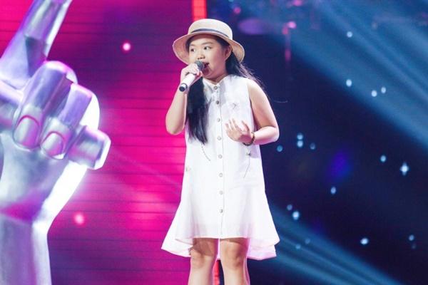 Hoa hậu Hương Giang khẩu chiến với đàn chị trên ghế nóng The Voice Kids, chưa bao giờ nàng Hậu dữ dằn đến thế-8