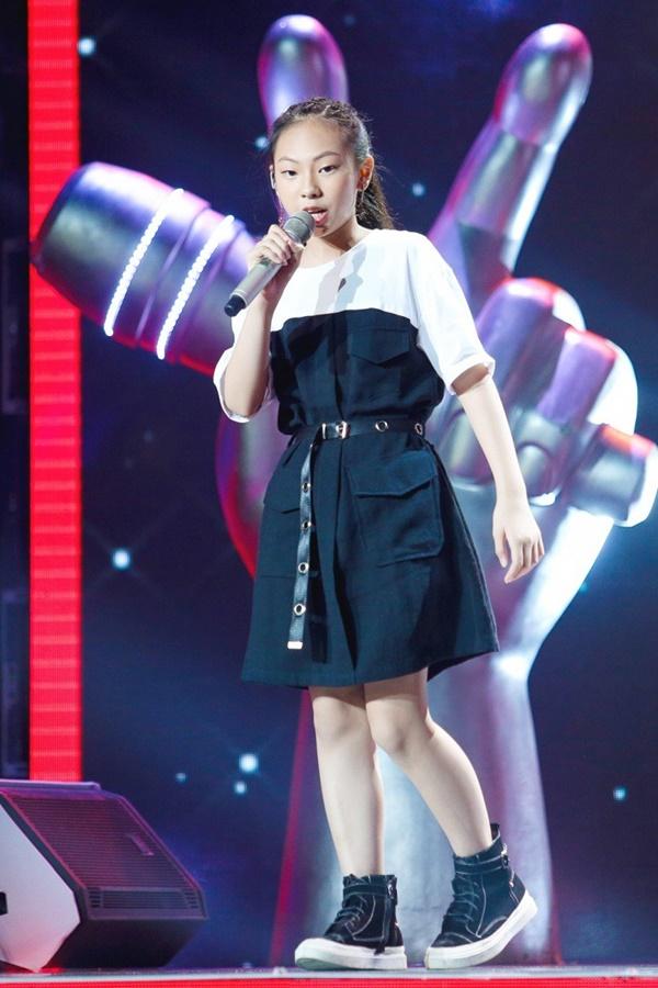 Hoa hậu Hương Giang khẩu chiến với đàn chị trên ghế nóng The Voice Kids, chưa bao giờ nàng Hậu dữ dằn đến thế-16