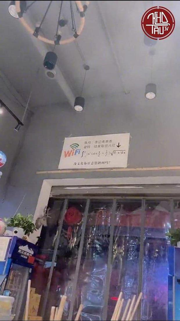Lại thêm một màn đố pass wifi hack não nhưng ức chế nhất là câu nói: Không có văn hóa thì đừng có lên mạng!-1