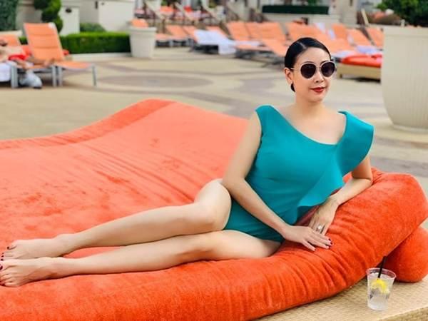 Á hậu Thanh Tú, Hoa hậu Hà Kiều Anh thiêu đốt bãi biển với bikini-2