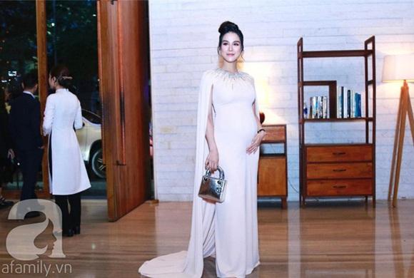 Đám cưới Cường Đô La và Đàm Thu Trang: Cô dâu diện váy cưới khoe vai trần cực xinh đẹp bên chú rể điển trai, dàn khách mời đổ bộ-10