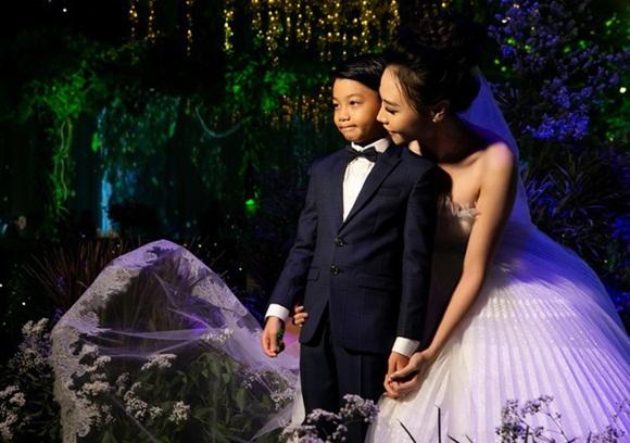Đám cưới Cường Đô La và Đàm Thu Trang: Cô dâu diện váy cưới khoe vai trần cực xinh đẹp bên chú rể điển trai, dàn khách mời đổ bộ-9