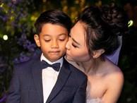 Hình ảnh đẹp nhất trong đám cưới Cường Đô La: Đàm Thu Trang diện váy cô dâu hôn má con trai riêng của chồng - bé Subeo cực đáng yêu