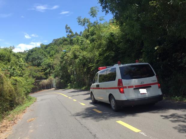 Tham quan bán đảo Sơn Trà, 2 bà cháu bị ngã xe văng xuống vực tử vong-2