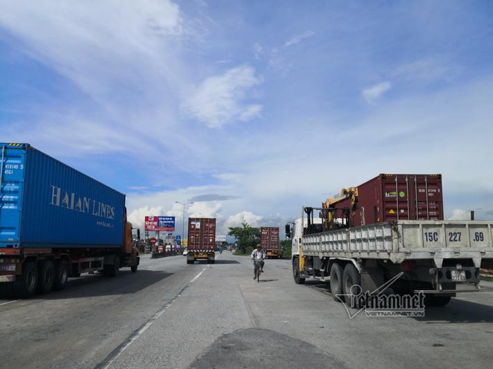 Xe tải lật chết 5 người ở Hải Dương, Trung tá CSGT nói lý do tài xế giật mình-2