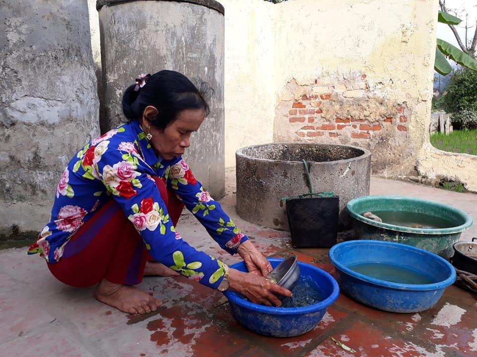 Những hình ảnh khắc khổ của mẹ ca sĩ Châu Việt Cường trước khi bị tàu hỏa đâm tử vong-4