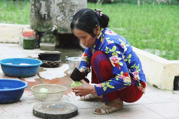 Những hình ảnh khắc khổ của mẹ ca sĩ Châu Việt Cường trước khi bị tàu hỏa đâm tử vong-5