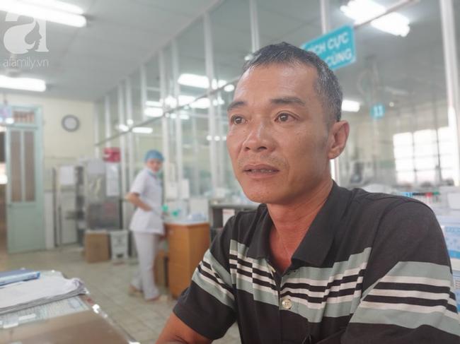 Cha mẹ bật khóc khi bác sĩ gạt mọi thủ tục để cứu con trai bị tràn máu màng phổi, hôn mê sâu nguy kịch-5