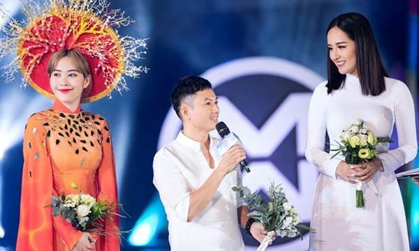 Mai Phương Thúy liên tục đốt mắt fans với loạt váy ngắn khoe đường cong-11