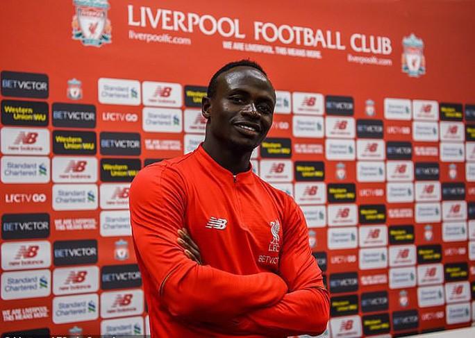 Sao Liverpool hủy kỳ nghỉ hè, xây trường học và bệnh viện ở Senegal-6