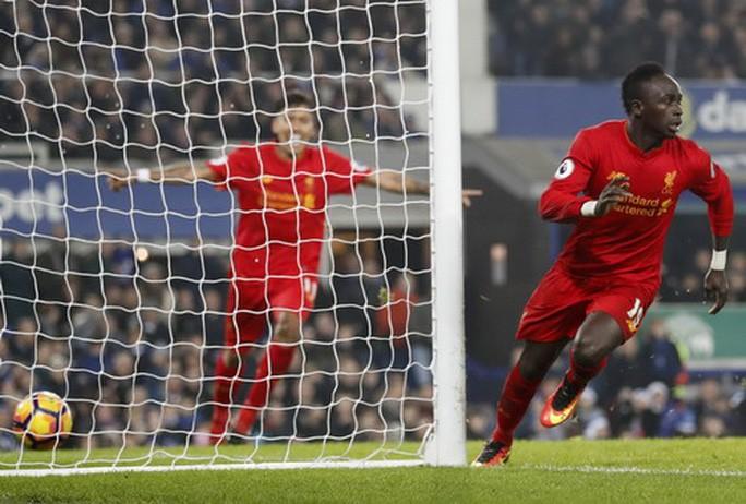 Sao Liverpool hủy kỳ nghỉ hè, xây trường học và bệnh viện ở Senegal-8