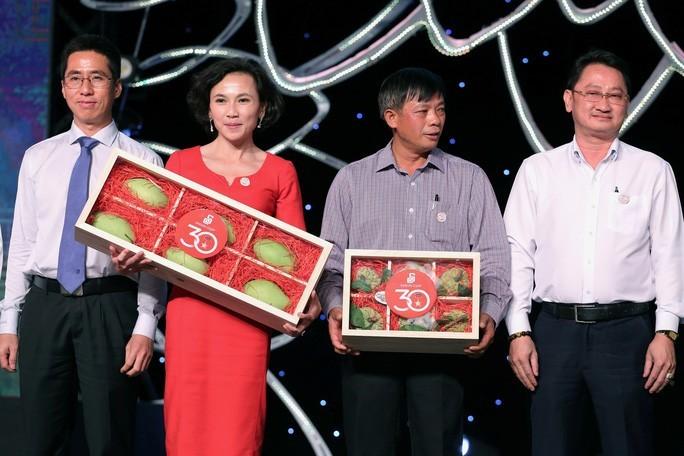 Lạ Việt Nam, chùm nhãn lồng cổ Hưng Yên bán giá 100 triệu đồng-1