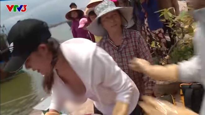 Người đẹp Việt gây tranh cãi khi lộ hàng ở Cuộc đua kỳ thú-1