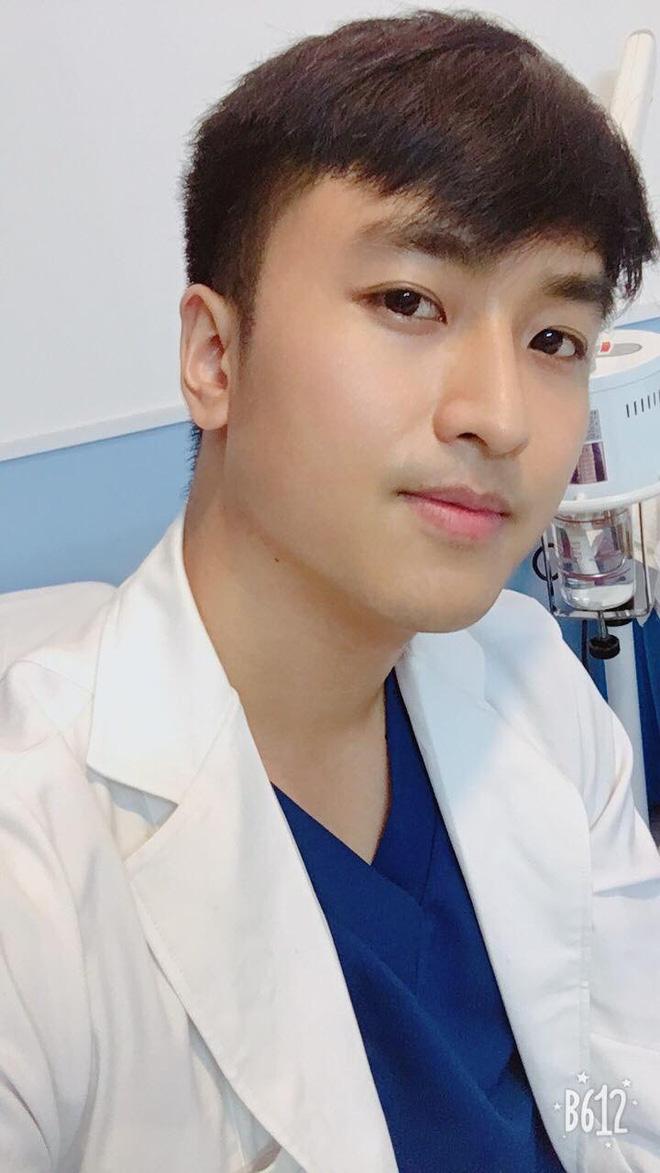 Xuất hiện chàng trai giống hệt Giang Thần, là cử nhân Y Đa khoa của ĐH Y dược TP.HCM khiến fangirl xếp hàng xin được... bệnh-7